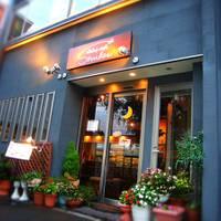 Dining Cafe SHUKR (ダイニングカフェ シュクル)