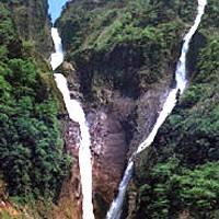 称名滝(しょうみょうだき)