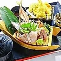 青島海鮮料理 魚益 (うおます)