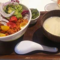 ボウルズ(DONBURI CAFE DINING Bowls)