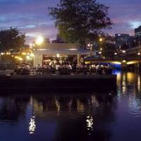 """R"" RIVERSIDE GRILL & BEER GARDEN (アール・リバーサイドグリル&ビアガーデン)"