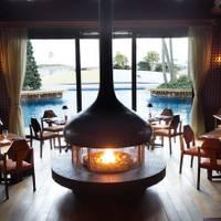 The lounge on the water (ザ ラウンジ オン ザ ウォーター)