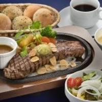 Restaurant Tiffany (レストラン ティファニー)