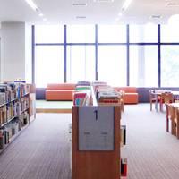 北九州市立八幡西図書館